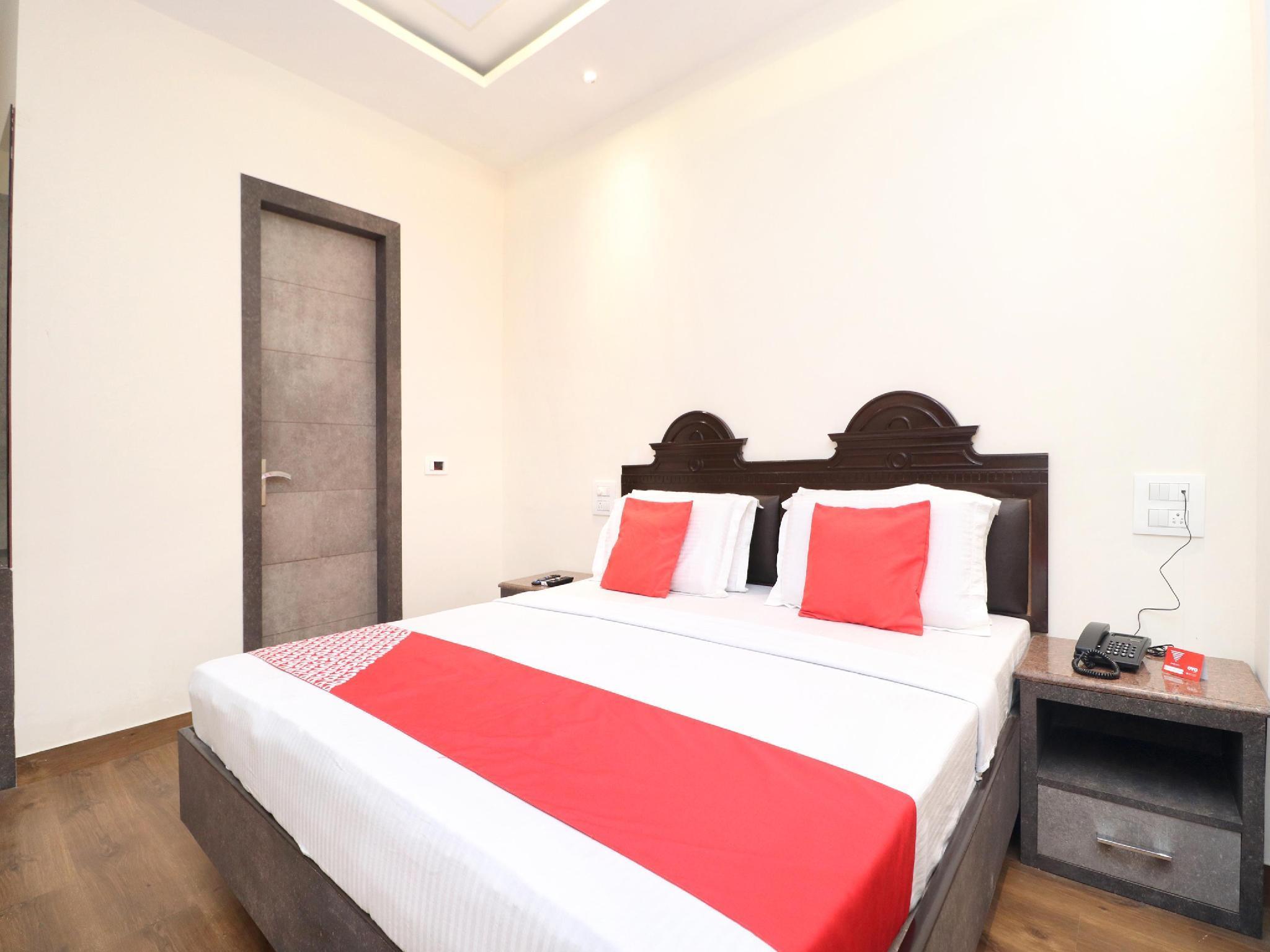 OYO 15890 Hotel Sunciti Extension, Bathinda
