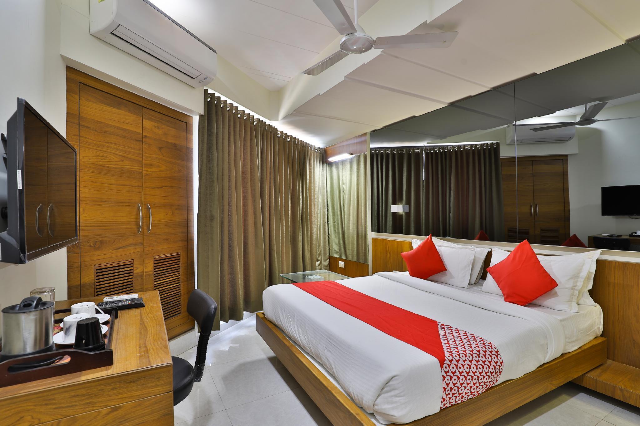 OYO 36648 Hotel Waterlily, Gandhinagar