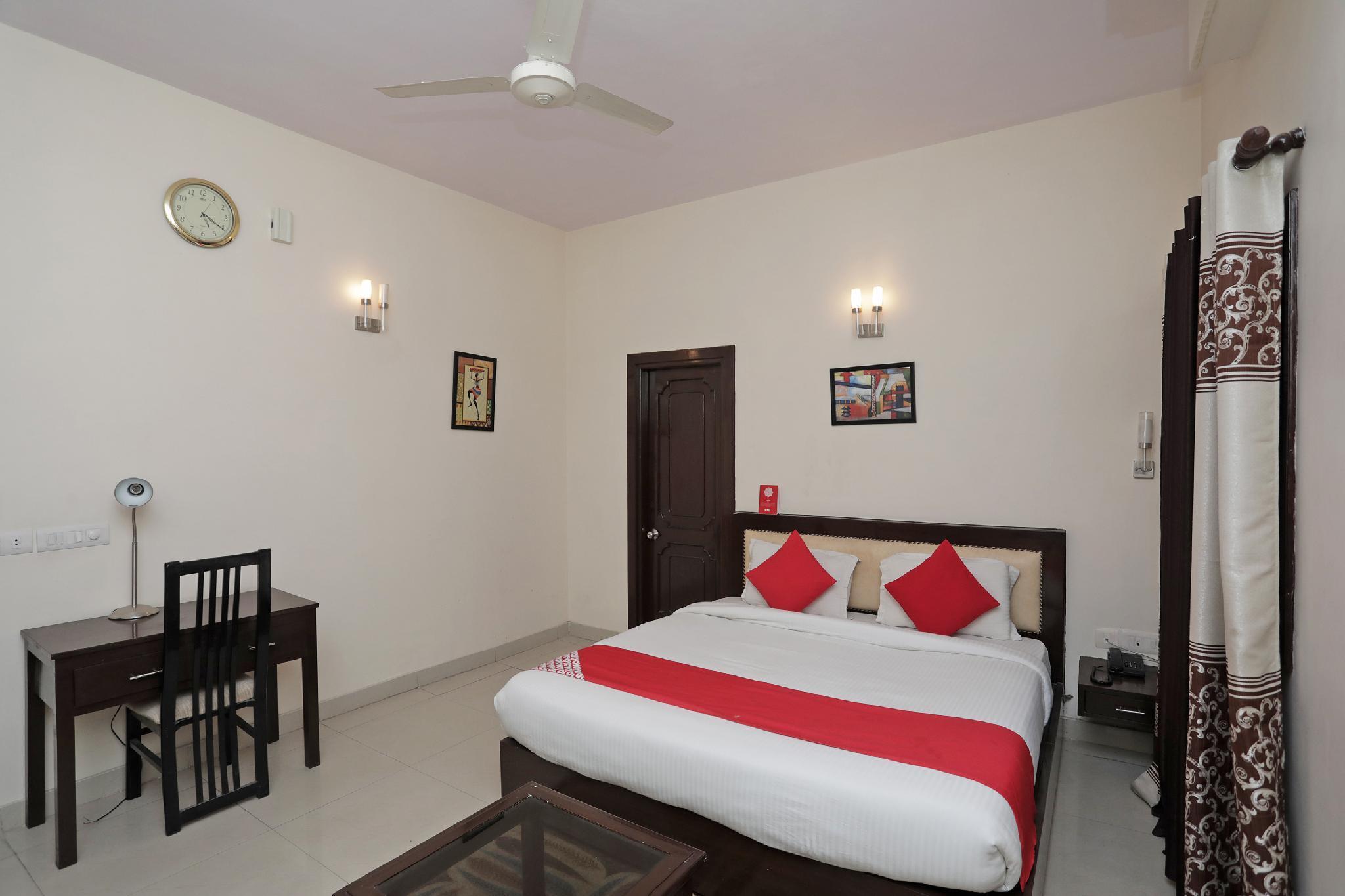 OYO 37035 Royal Residency Resorts, Rewari
