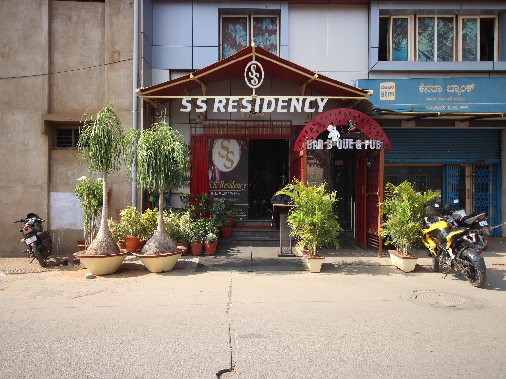 OYO 30865 Ss Residency, Tumkur
