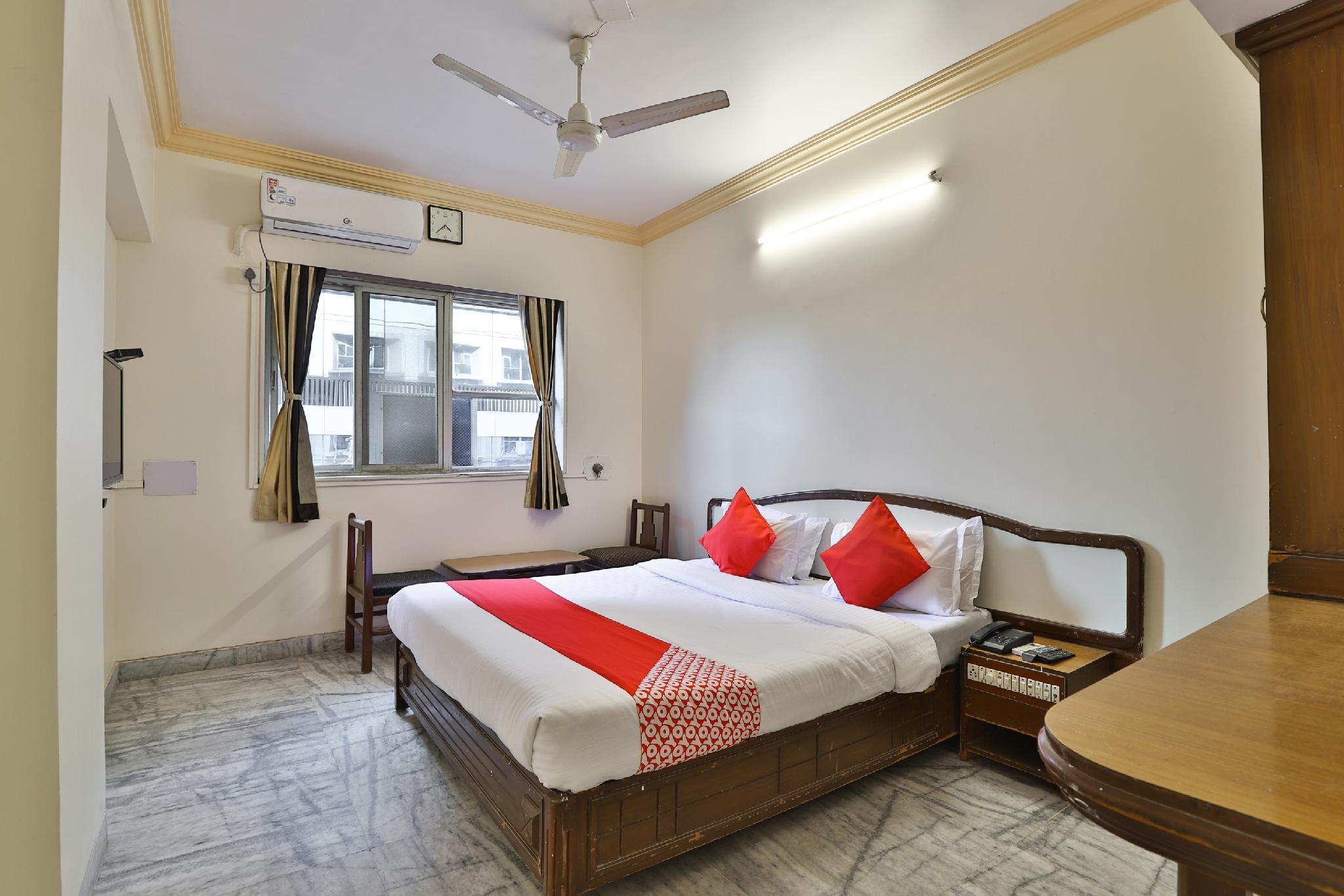 OYO 30296 Hotel Sha-inn, Bharuch