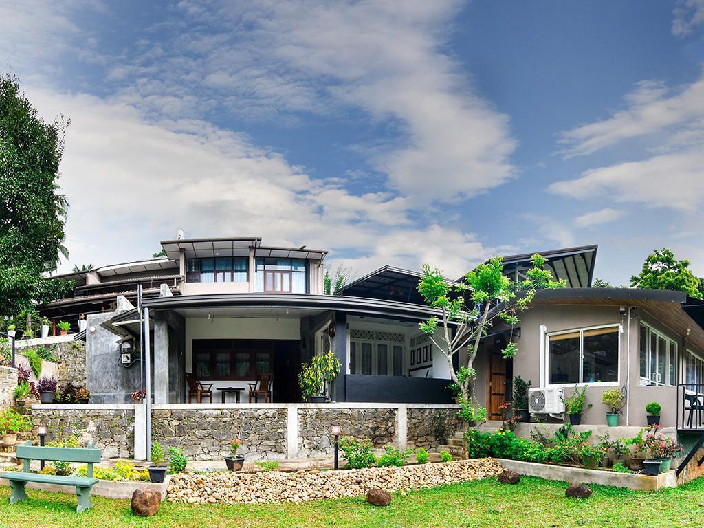 Thotupola Residence, Harispattuwa