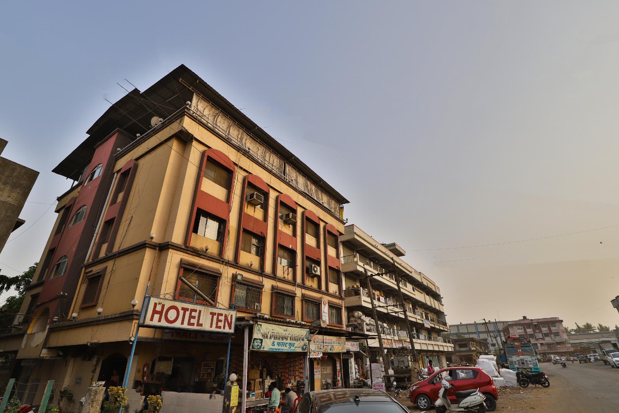 SPOT ON 36892 Hotel Ten, Valsad