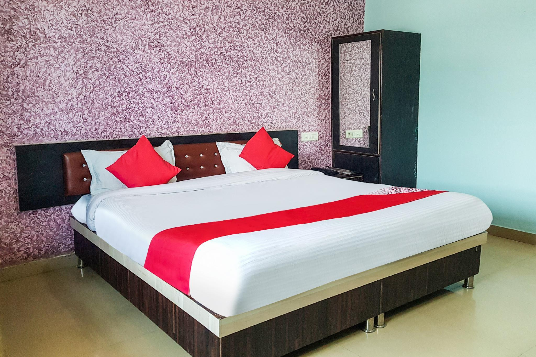 OYO 38099 Hotel Taste Of India, Tikamgarh
