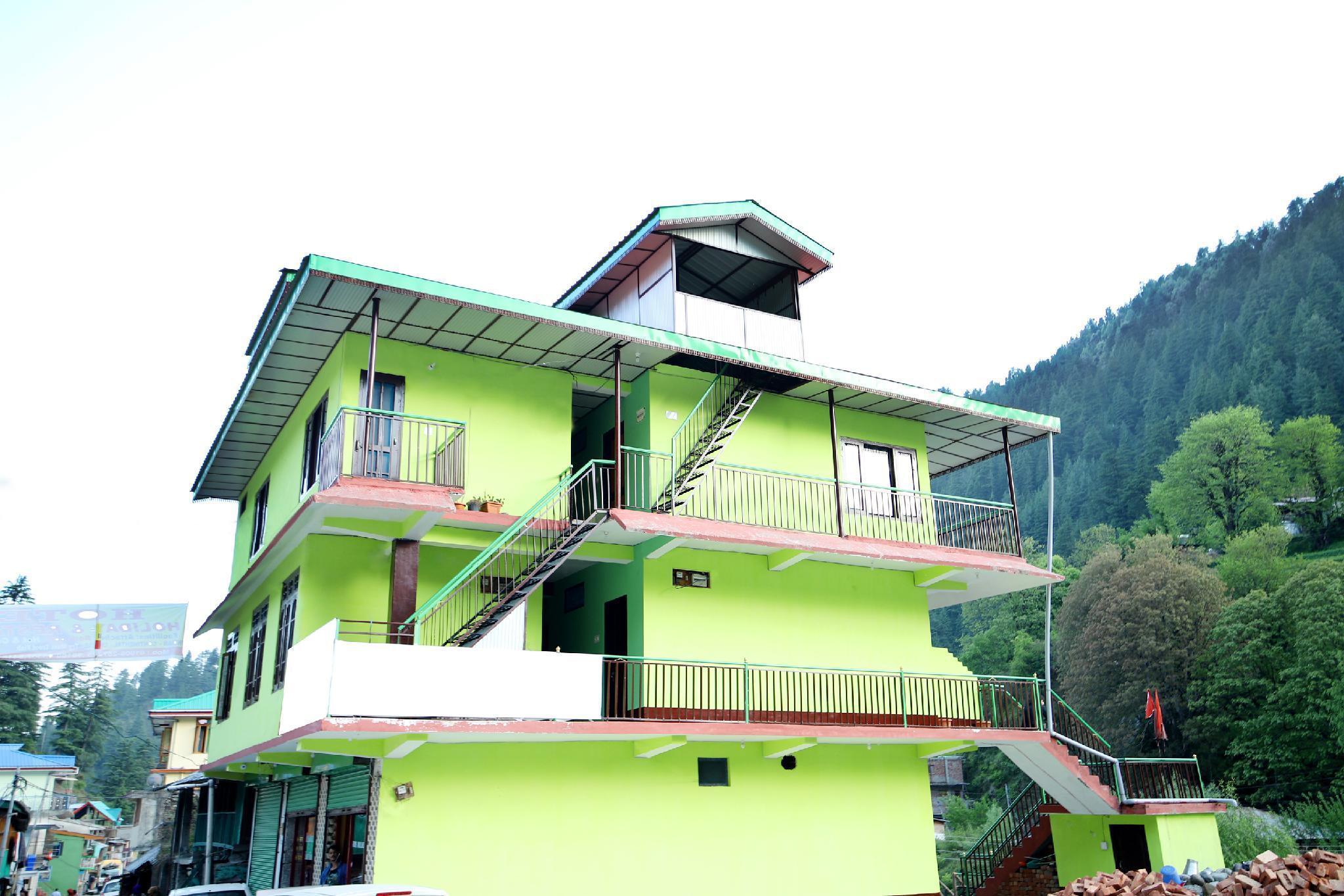 OYO 37943 Hotel Holiday And Restaurant, Mandi