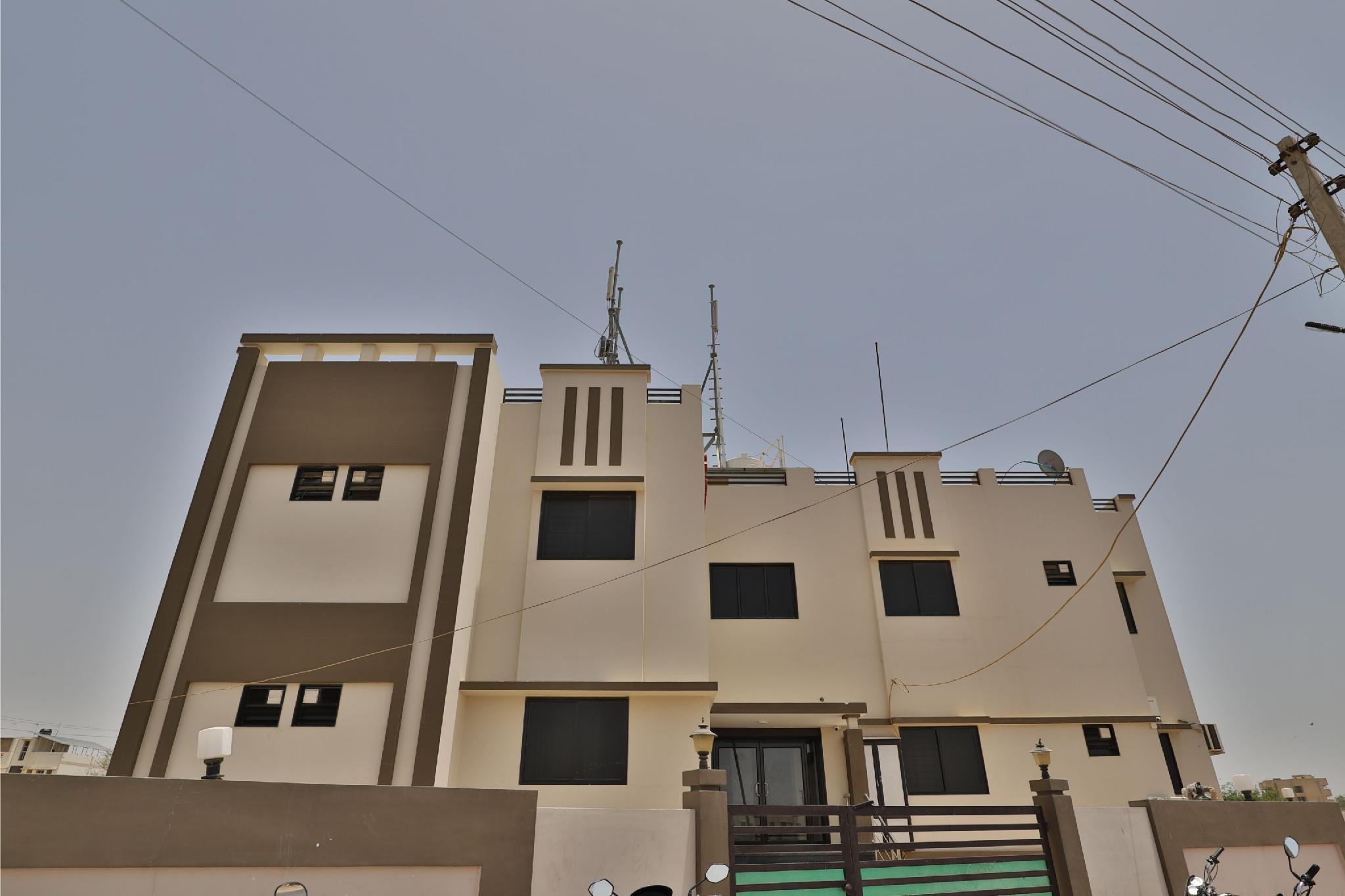 SPOT ON 38154 Shakti Hostel & Hotel, Kachchh