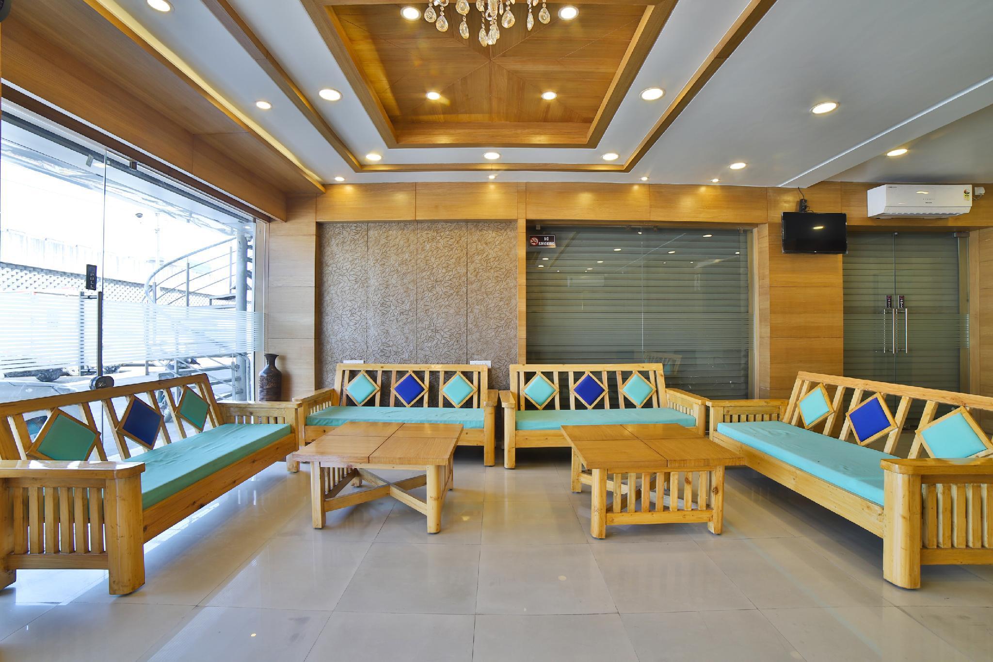 SPOT ON 36856 Hotel Aeron, Bharuch