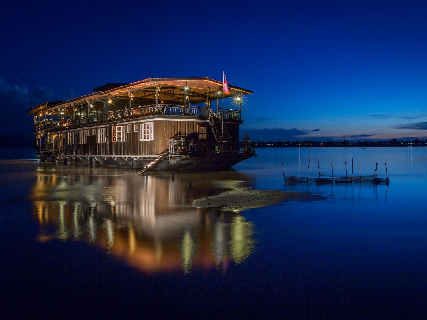 Vat Phou Mekong Cruise, Pakxe