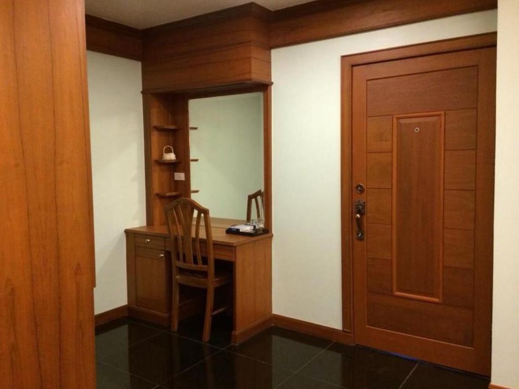 K.D.M. Residence19