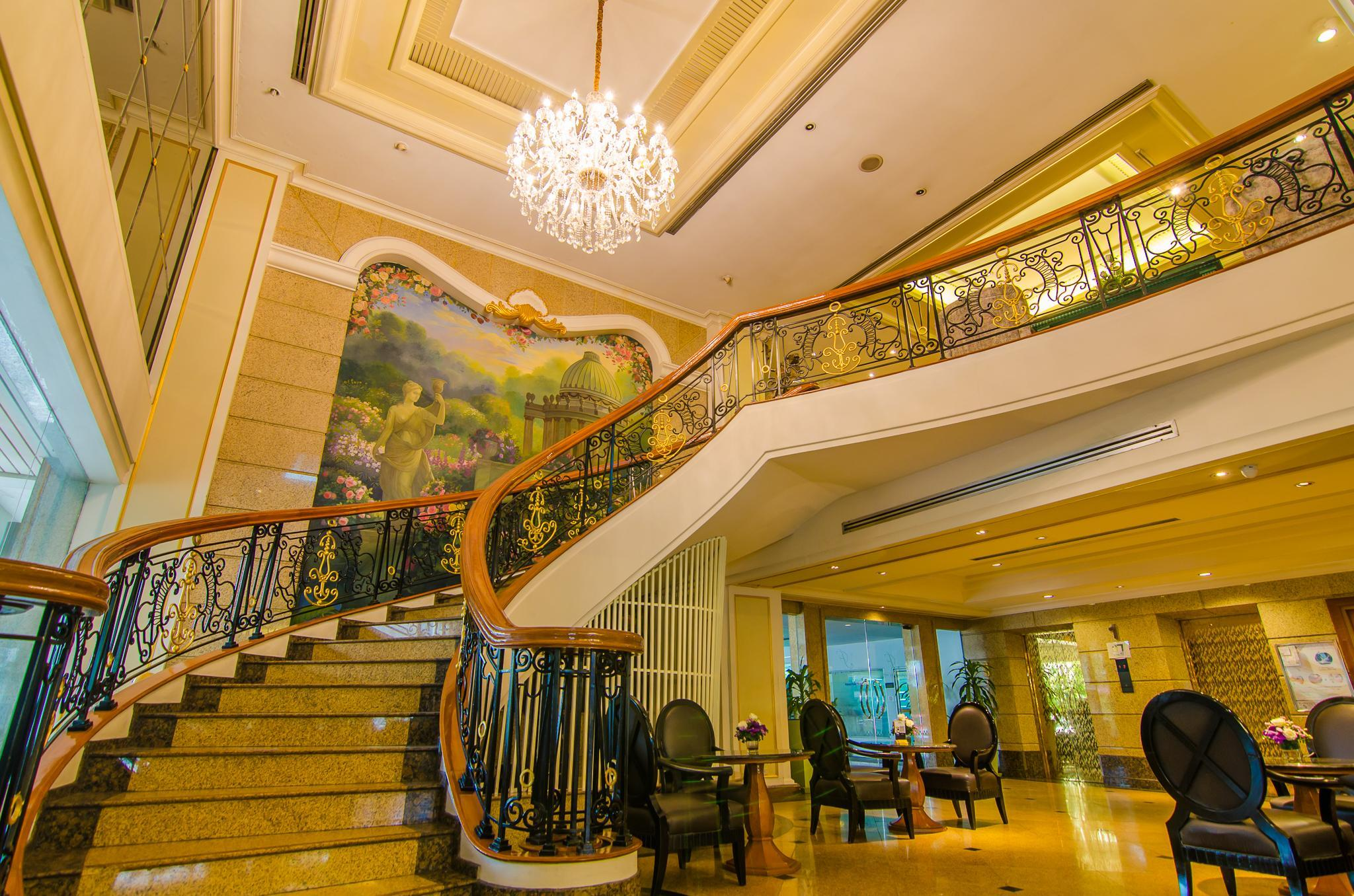 Forum Park Hotel, Yannawa