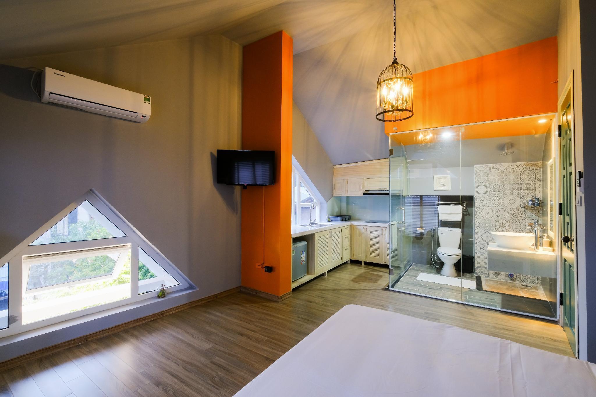 Le petit Hanoi Hotel, Hai Bà Trưng