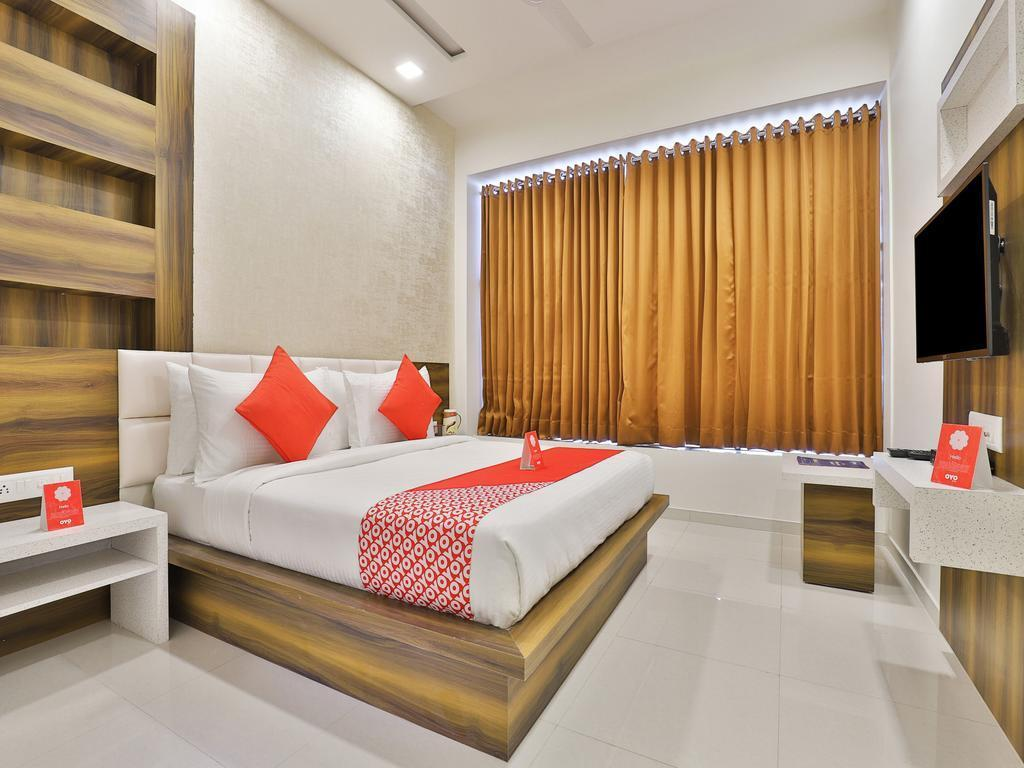 Hotel Leisure by Sky Stays, Gandhinagar