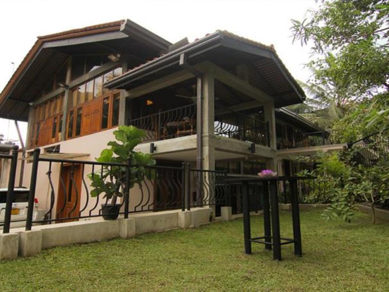River Gardens Kandy Hotel, Harispattuwa