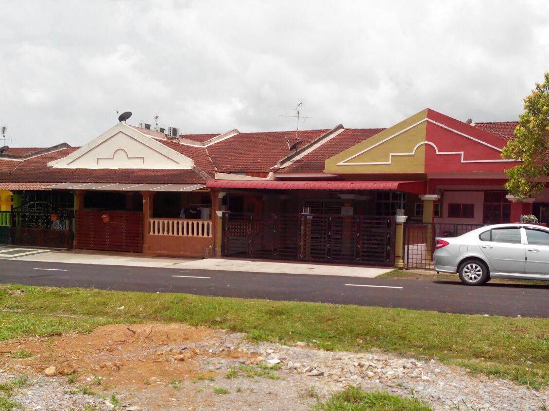 Bandar Putra Guesthouse at Segamat, Segamat