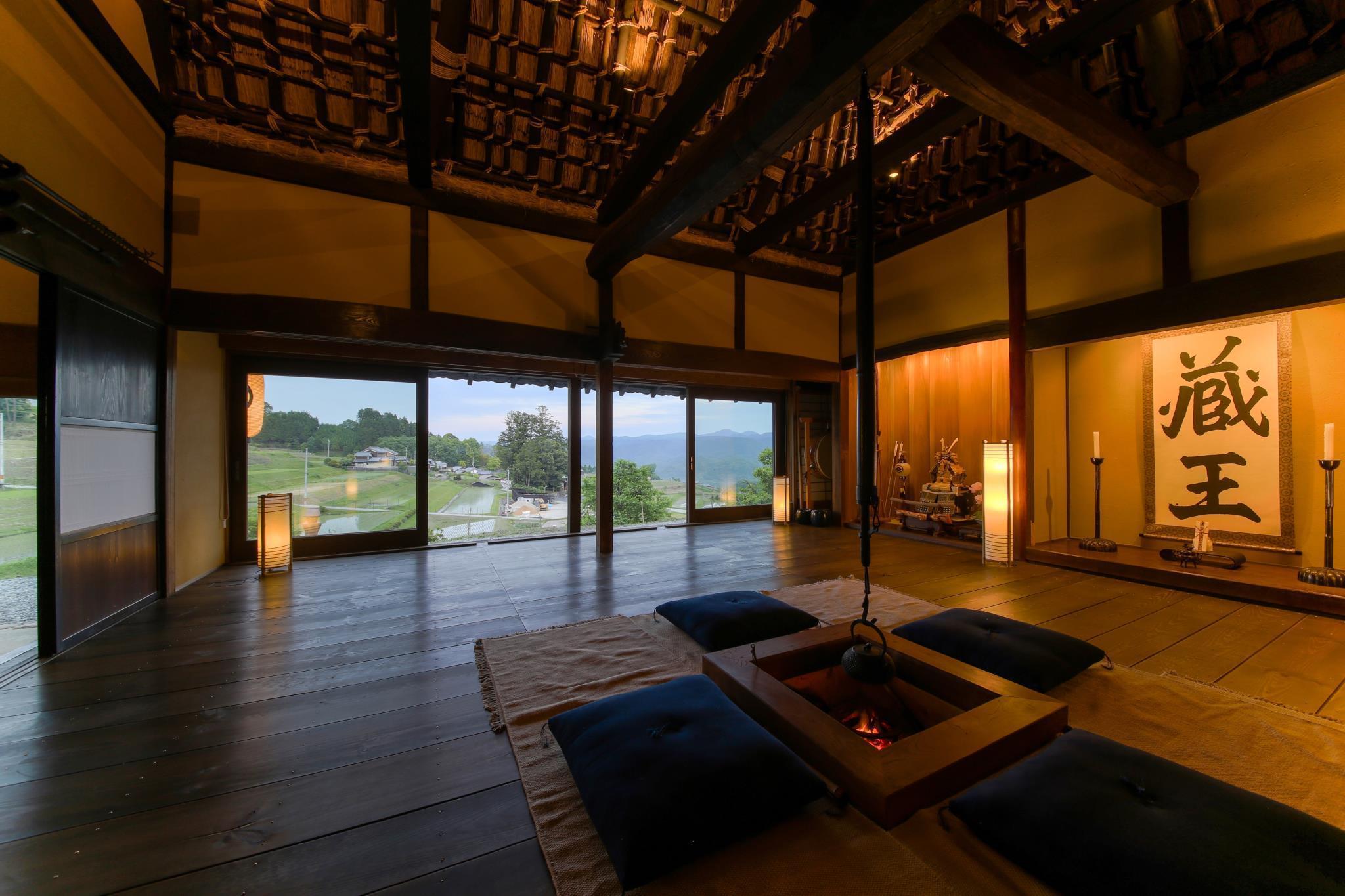 http://pix6.agoda.net/hotelImages/784/784001/784001_16100615350047496658.jpg