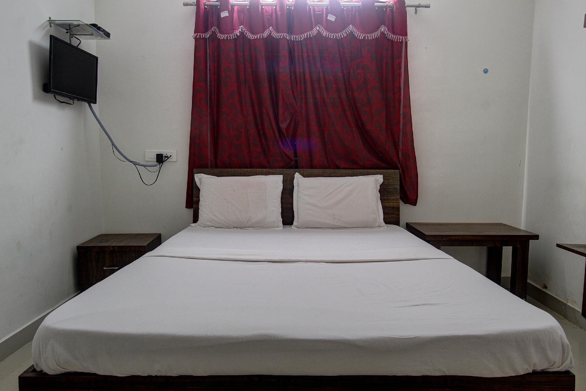 SPOT ON 41964 Hotel Alankar Lodging And Boarding, Shimoga