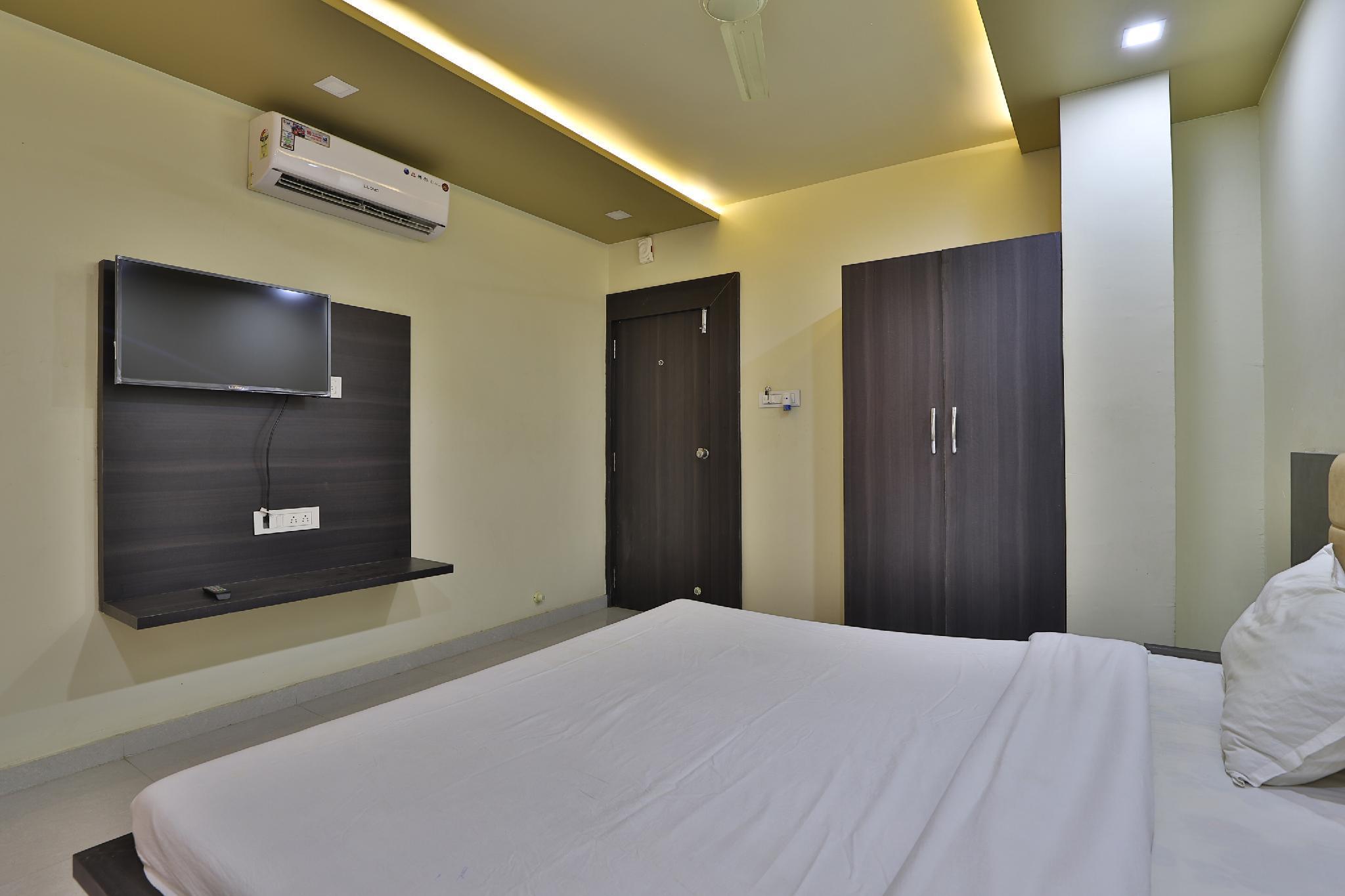 SPOT ON 41631 Hotel Sahyog, Amreli