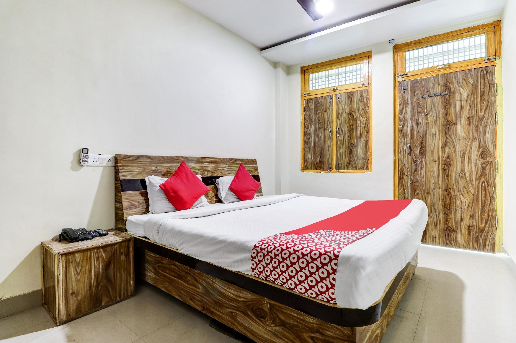 OYO 41546 Siddhant M Guest House, Sultanpur