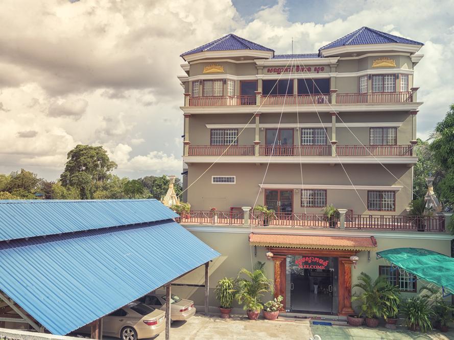 Vimeansok Hotel, Chbar Mon