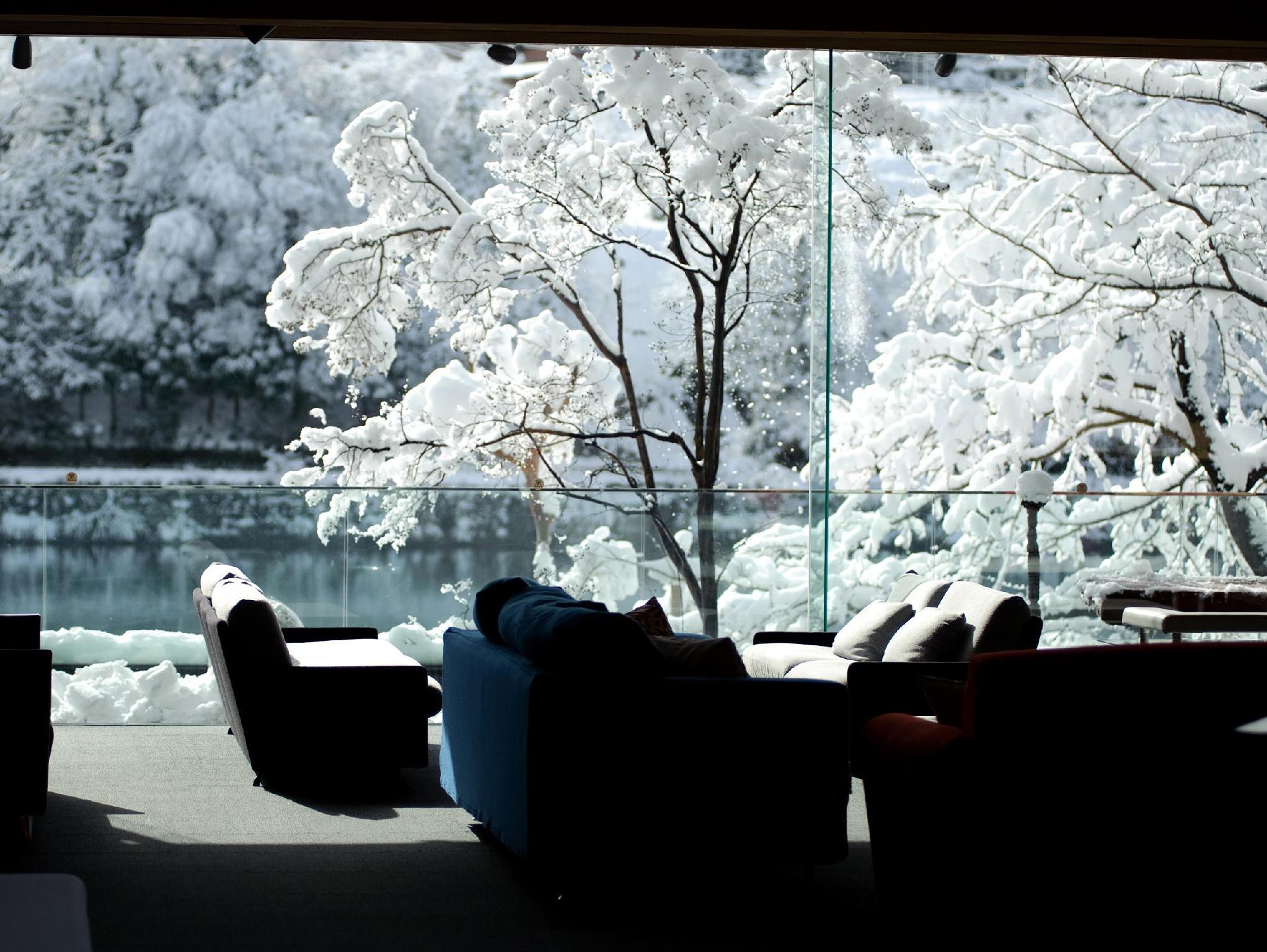 http://pix6.agoda.net/hotelImages/812/812824/812824_15092811390036433724.jpg