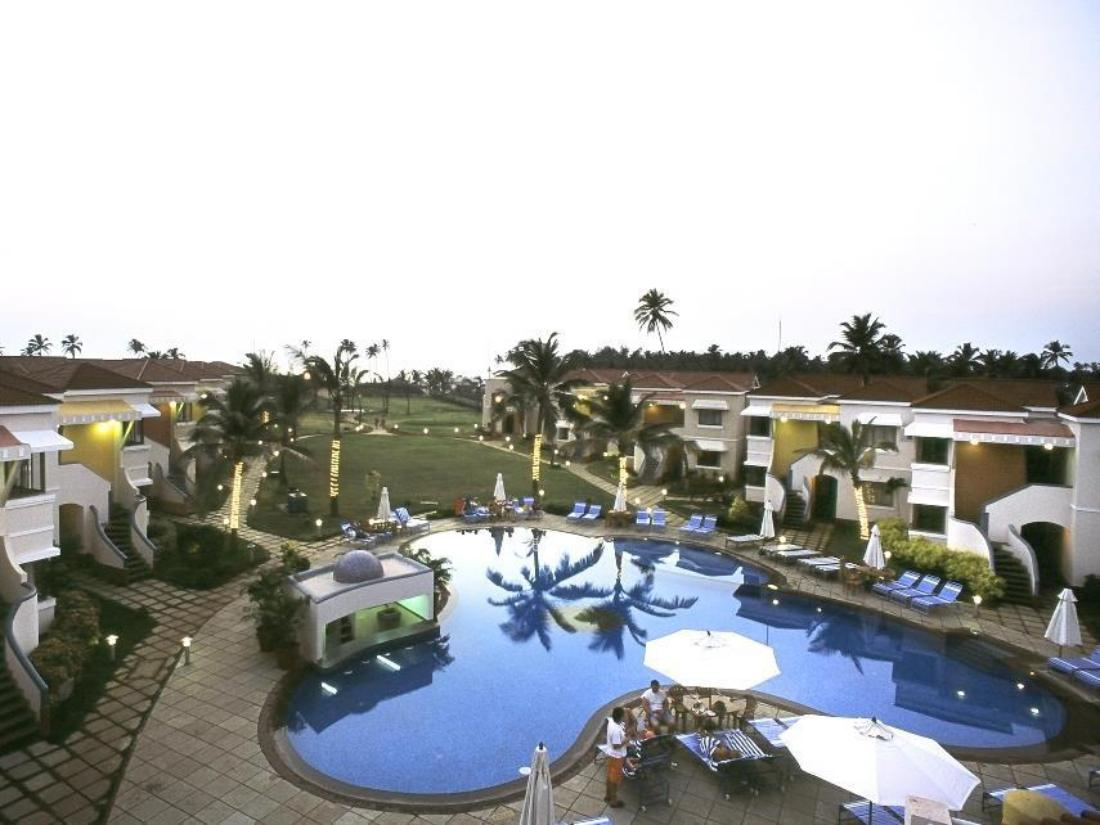 Royal orchid beach resort spa goa goa india for Resorts in goa with private swimming pool