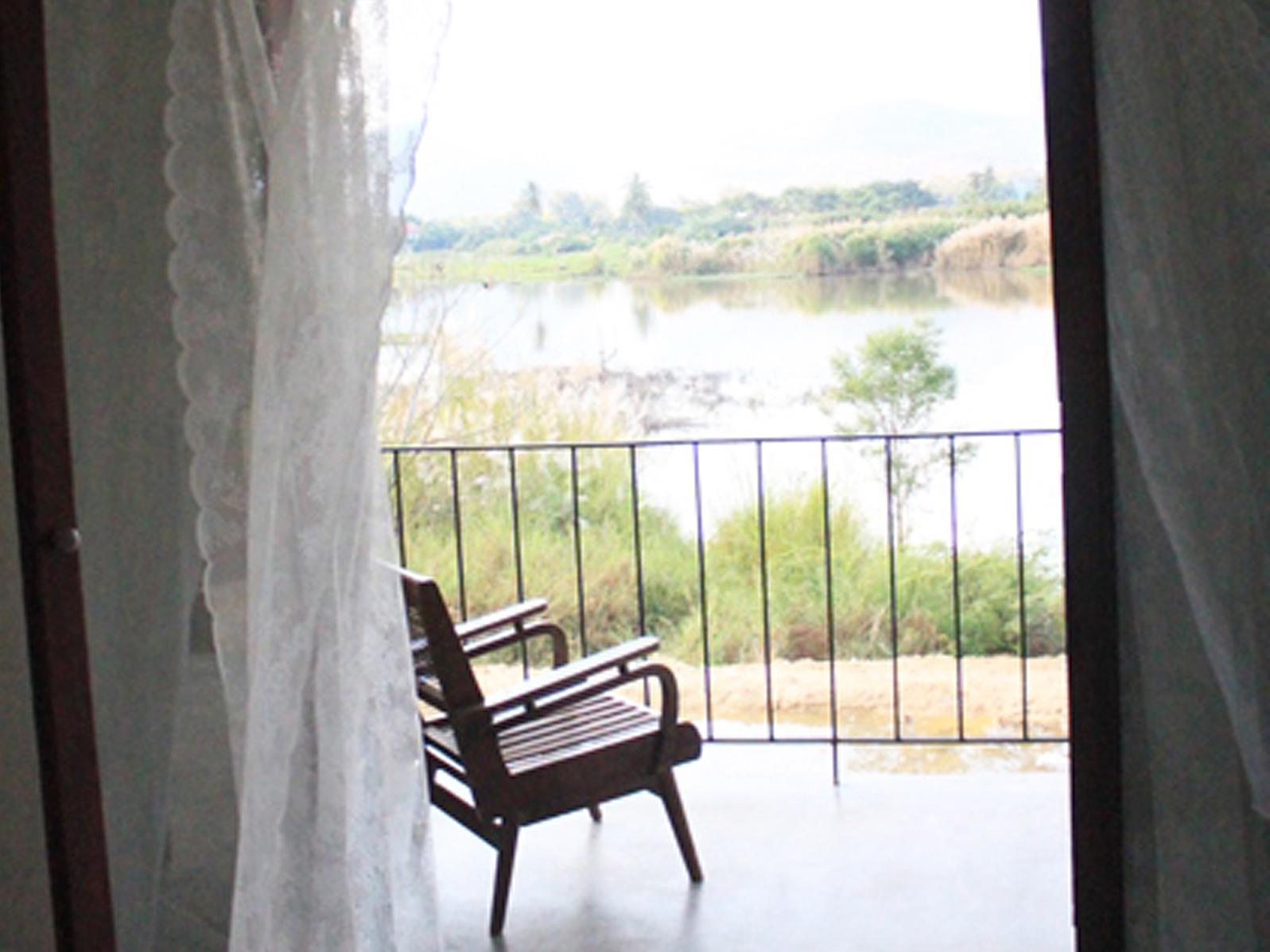 Phu-Anna Eco House, Hot