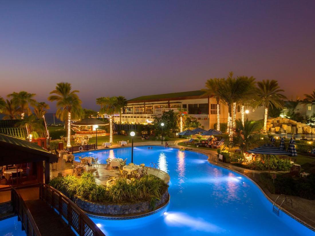 Book dubai marine beach resort spa dubai united arab for Top beach hotels dubai