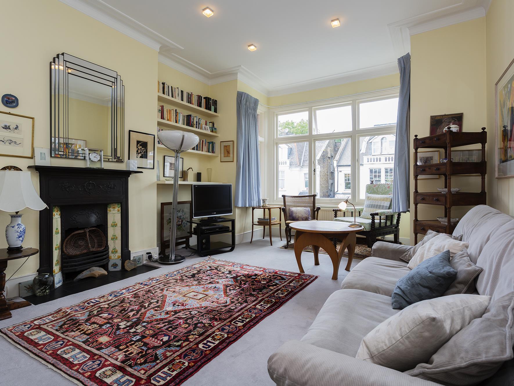 Veeve  House Dyne Road Kilburn, London