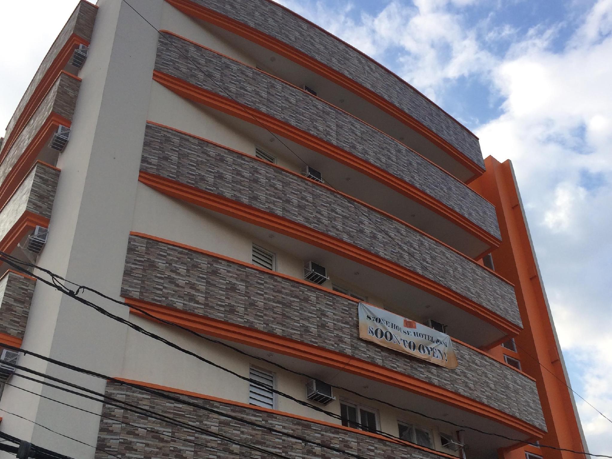 Stone House Hotel Pasay, Pasay City