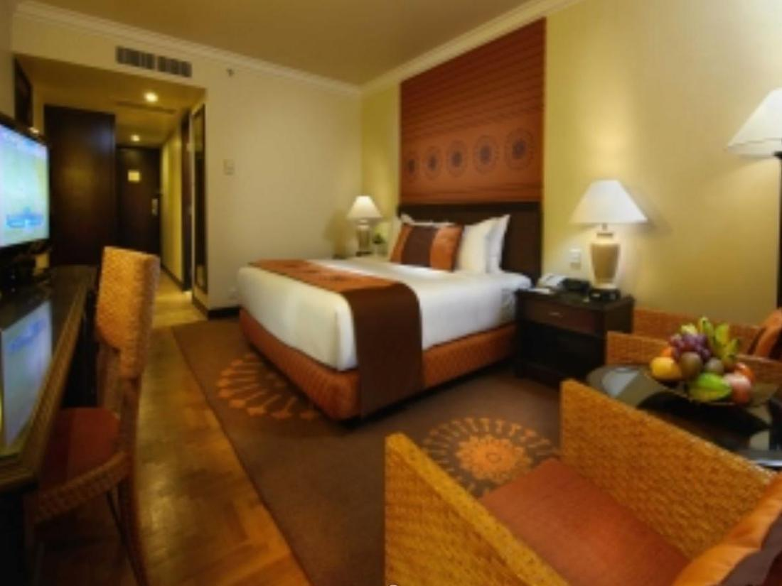 Rates For Top Of The Tower Room At Holiday Inn