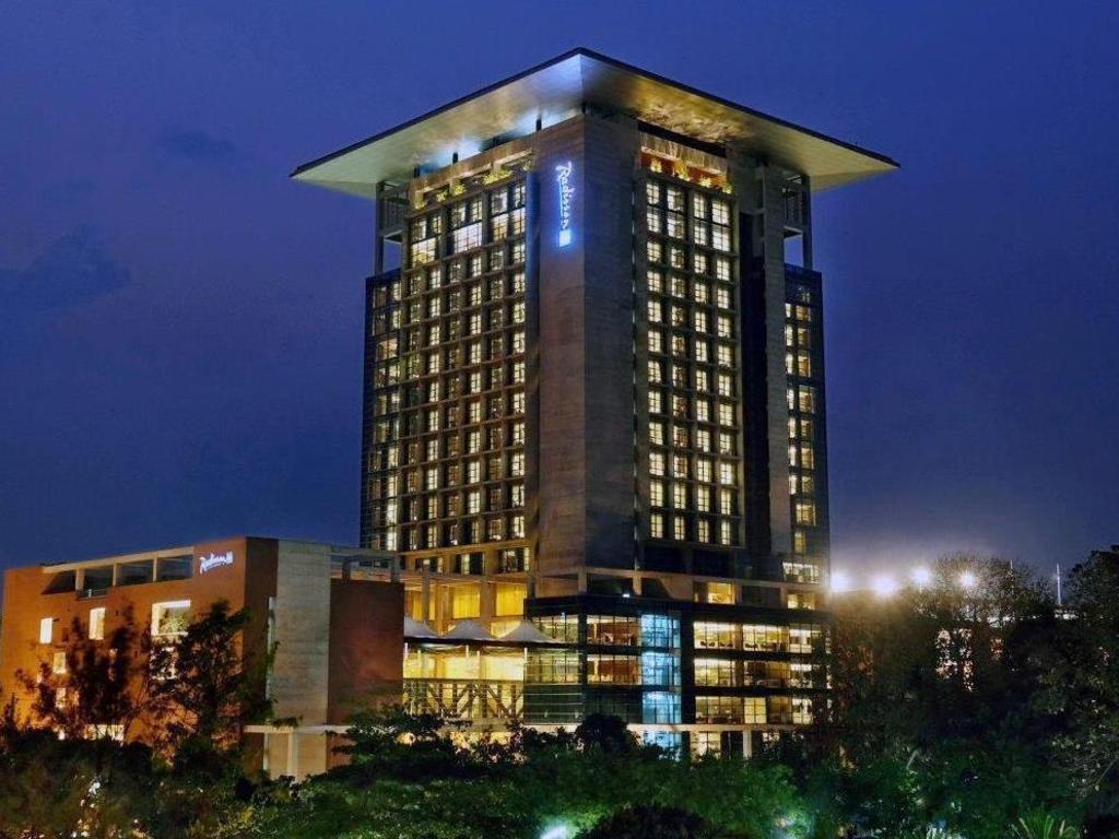 Best Price on Radisson Blu Chittagong Bay View in