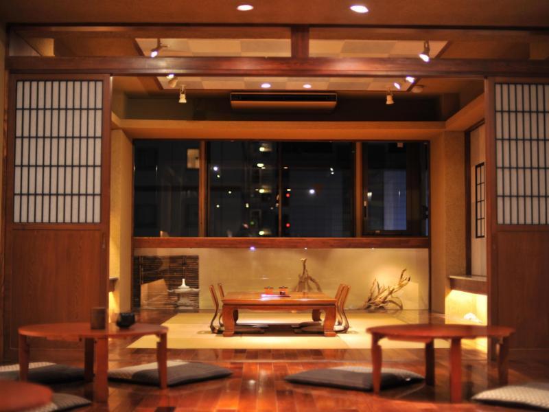考山東京武士旅館