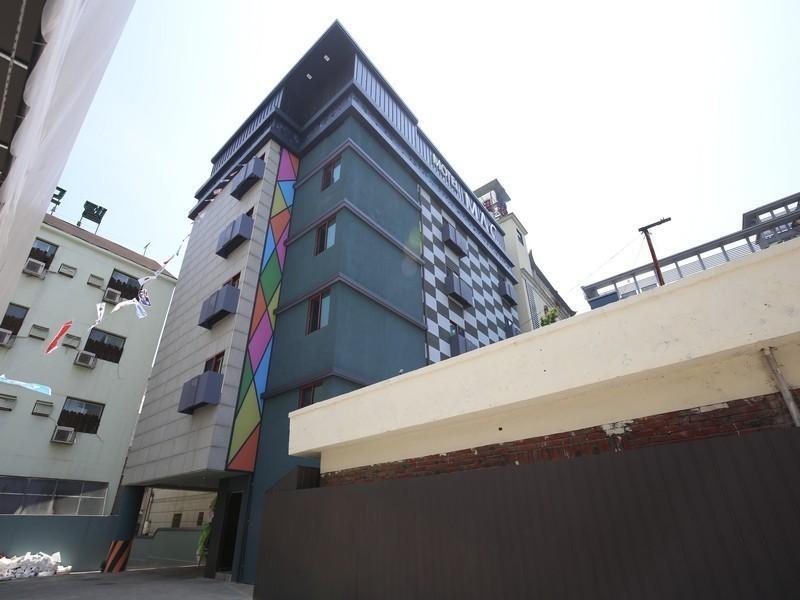 Motel Mac, Daedeok