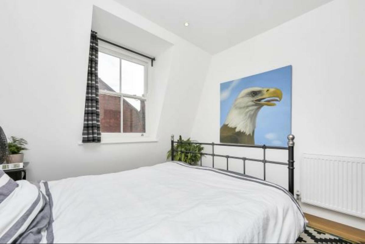 2 Bed Flat WHITECHAPEL-SK, London