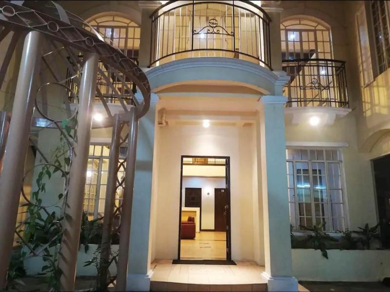 奎松市的13臥室獨棟住宅 - 780平方公尺/11間專用衛浴