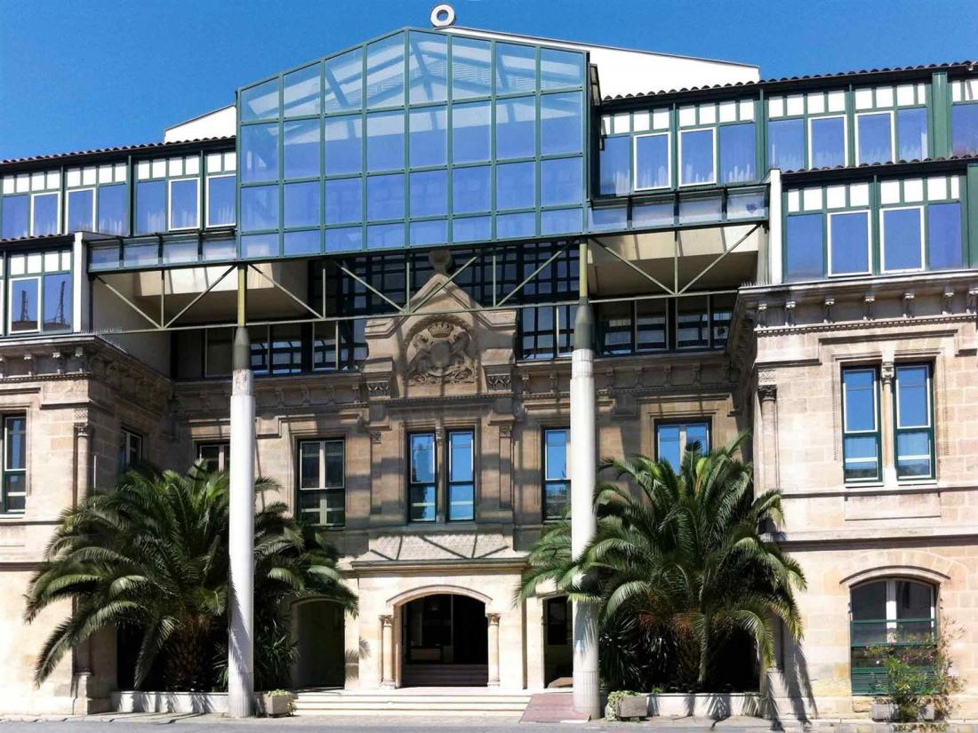 hotel 位于皇冠足球系统平台出租 (81 cours st louis, 33000