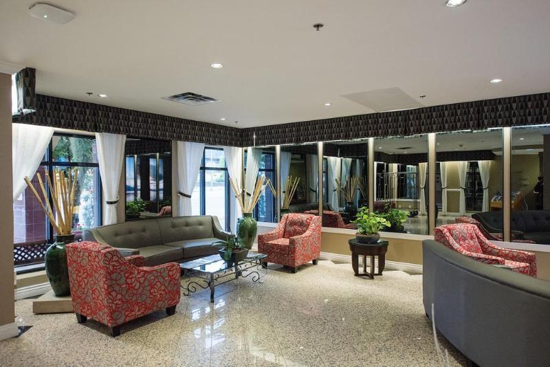 Harrison Lake Hotel, Fraser Valley