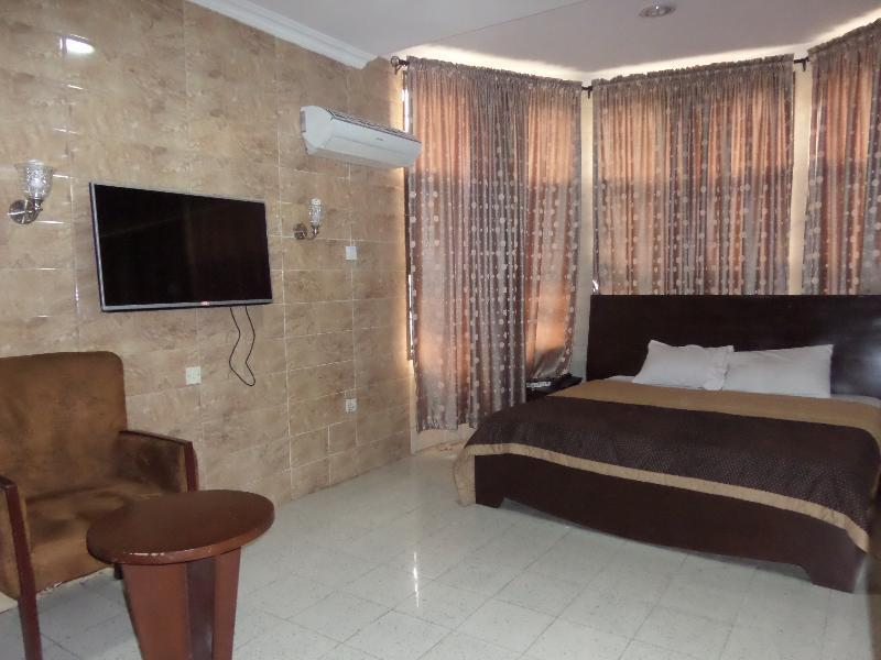 Cynergy Suites Limited, Apapa