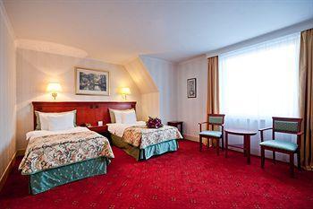 Hotel Mazurkas, Warsaw West