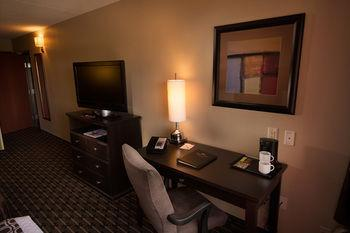Crowne Plaza Milwaukee Airport, Milwaukee