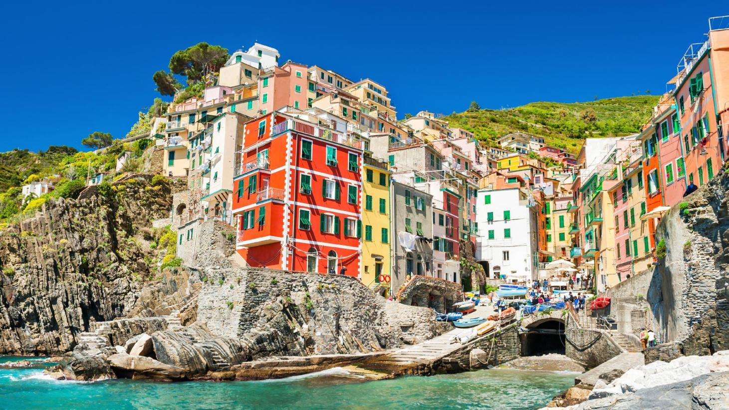 Riomaggiore Apartments - Best Price + HD Photos of Apartments in ...