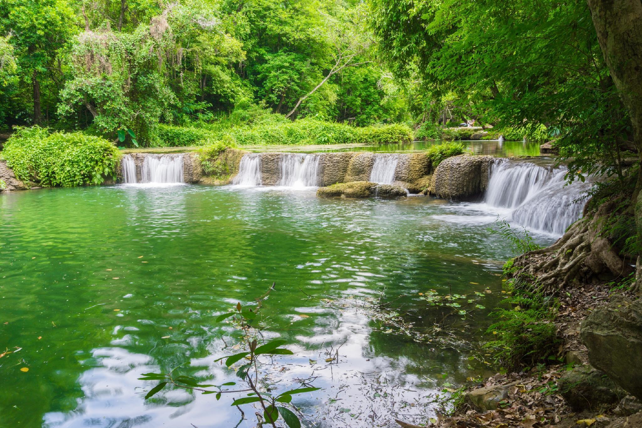 Ban Ingnam Resort, Muak Lek