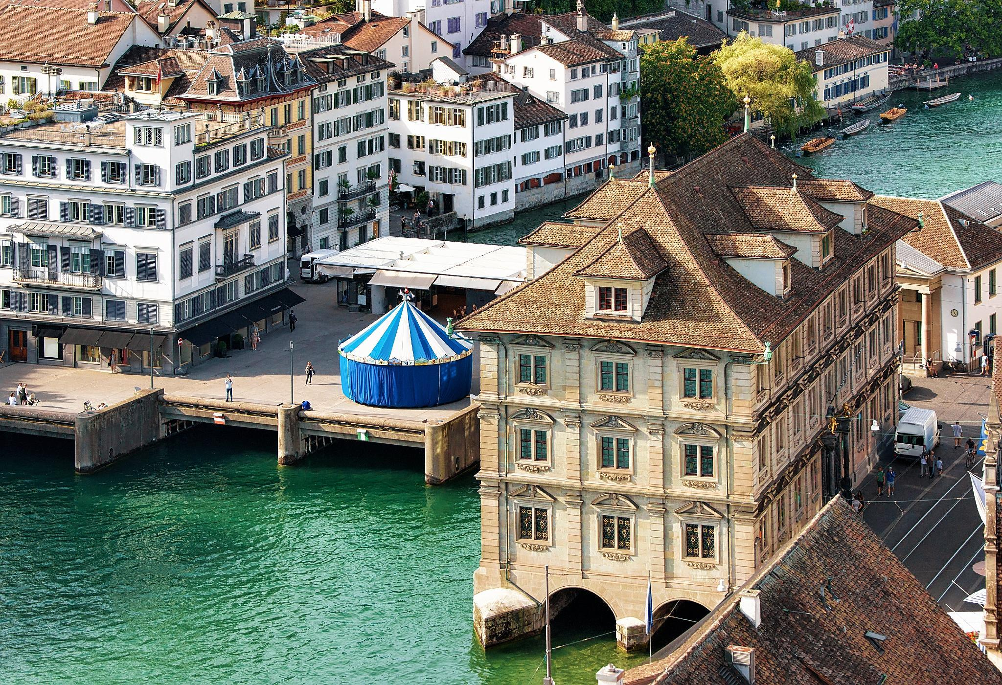 Swiss Star Oerlikon Station, Zürich