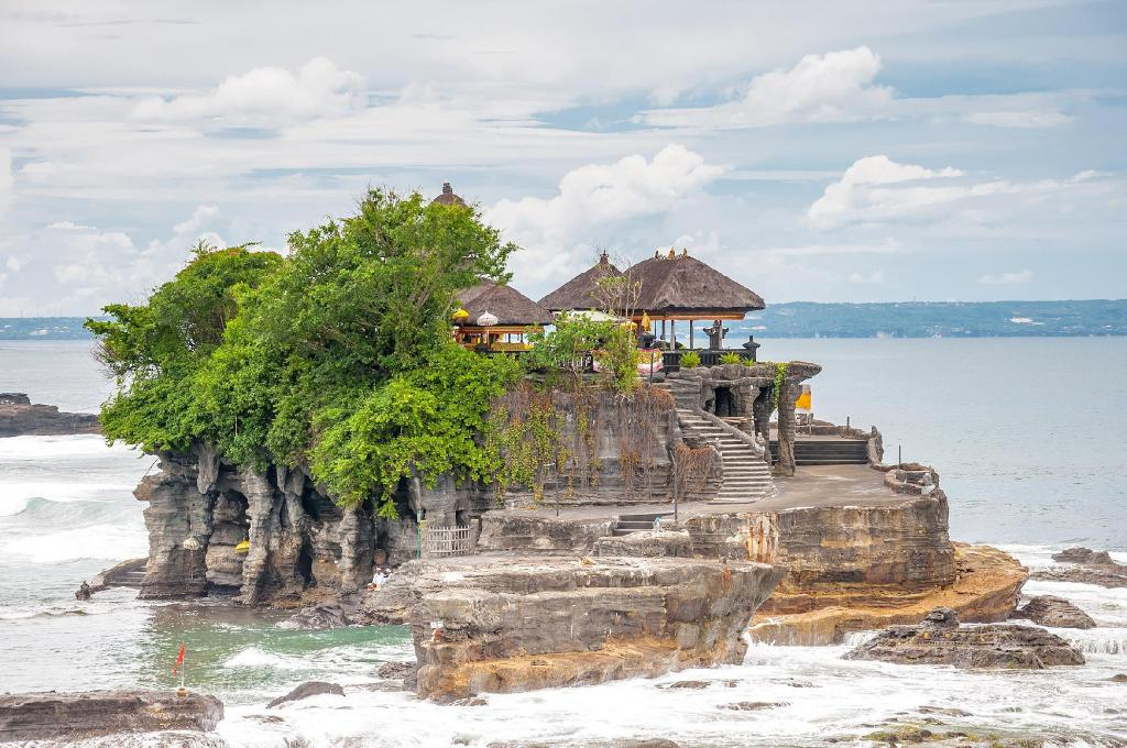 Tanah Lot Temple - 8.76 km from property