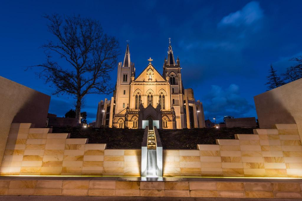 St. Mary's Cathedral - 2.74 km from property
