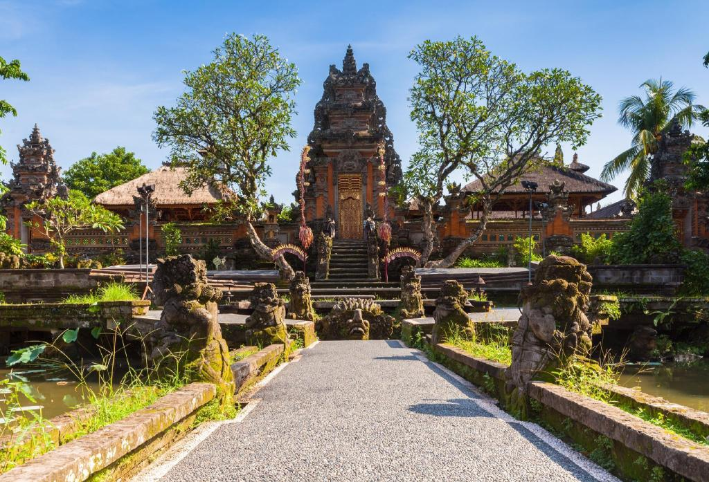 Ubud Palace - 6.53 km from property