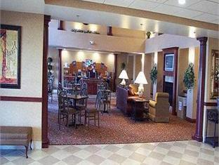 Holiday Inn Express Hotel & Suites Bowling Green, Wood