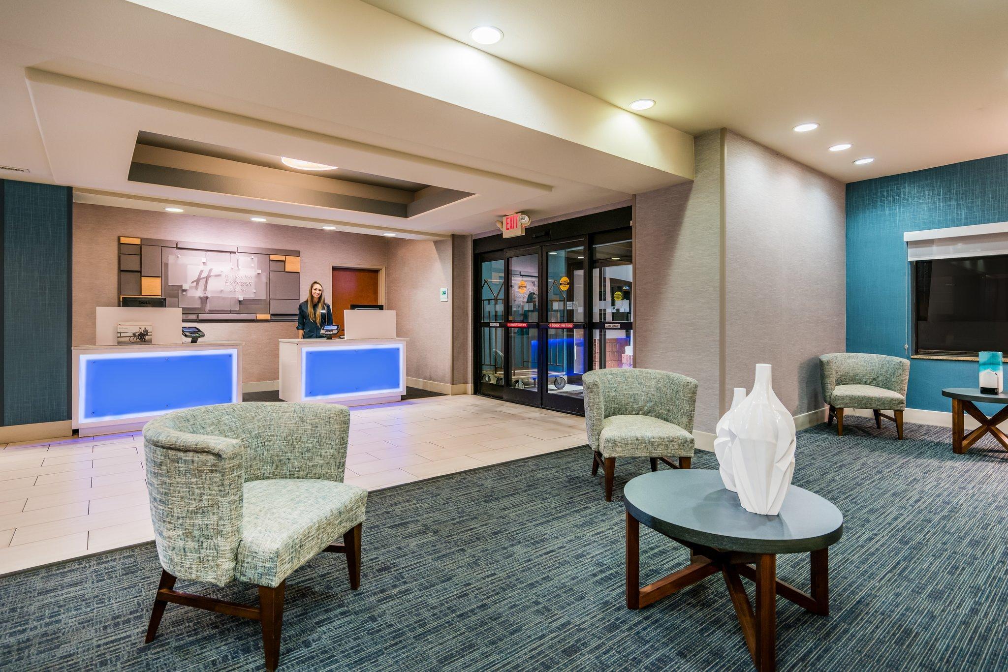 Holiday Inn Express & Suites Rocky Mount Smith Mountain Lake, Franklin