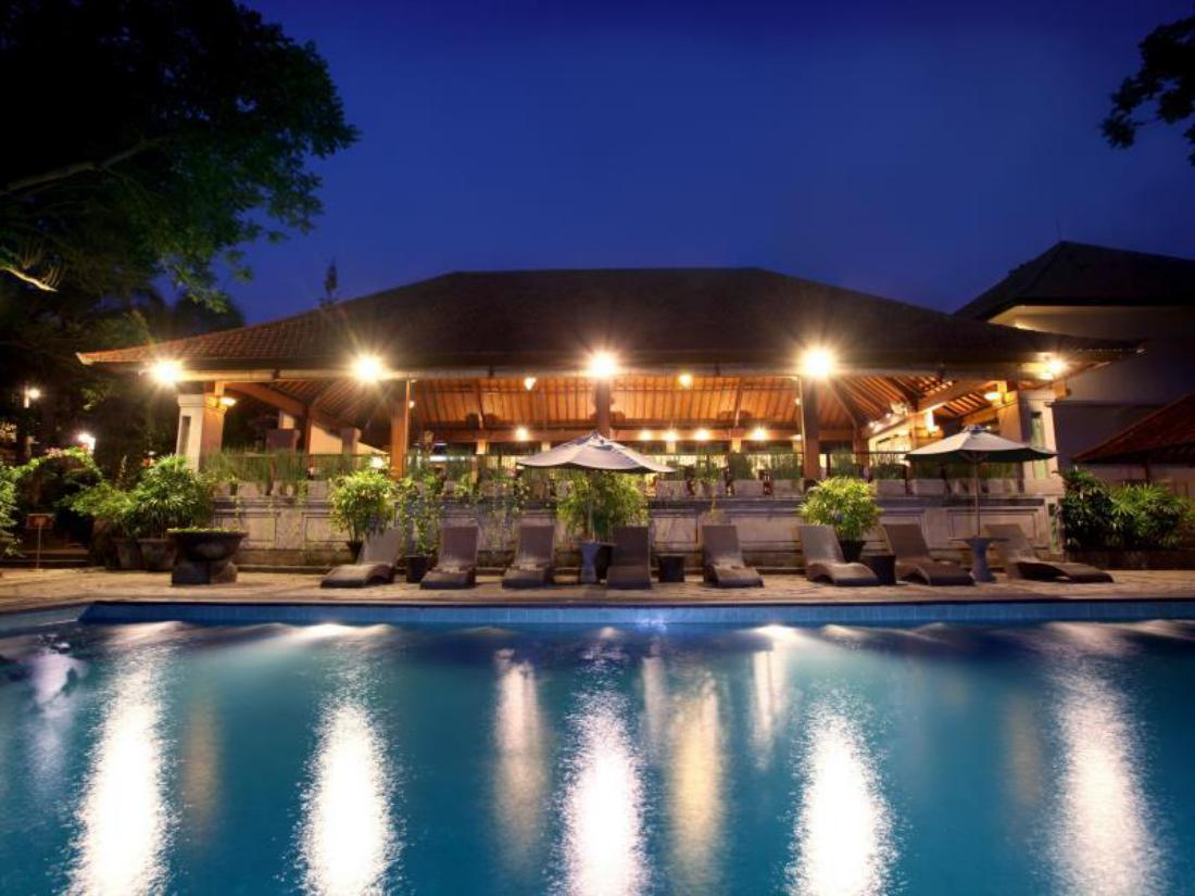 Best price on champlung sari hotel in bali reviews for Best value hotels in bali