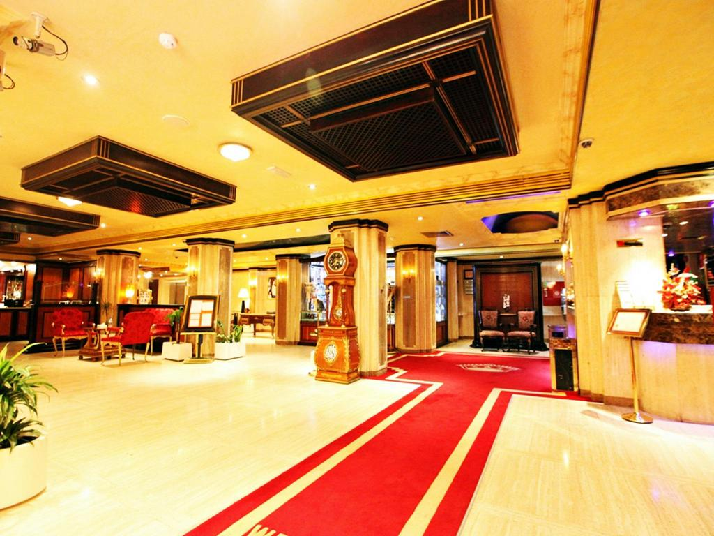 Best price on city star hotel in dubai reviews for Dubai 7 star hotel rates